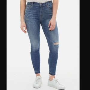 GapTrue Skinny Ankle Jeans With Distressed Detail